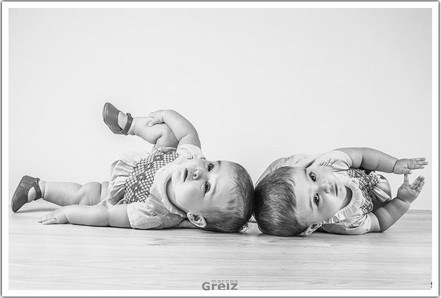 fotografo-bebes-santander-tumbadas-gemelas - Fotografía de Bodas en ...