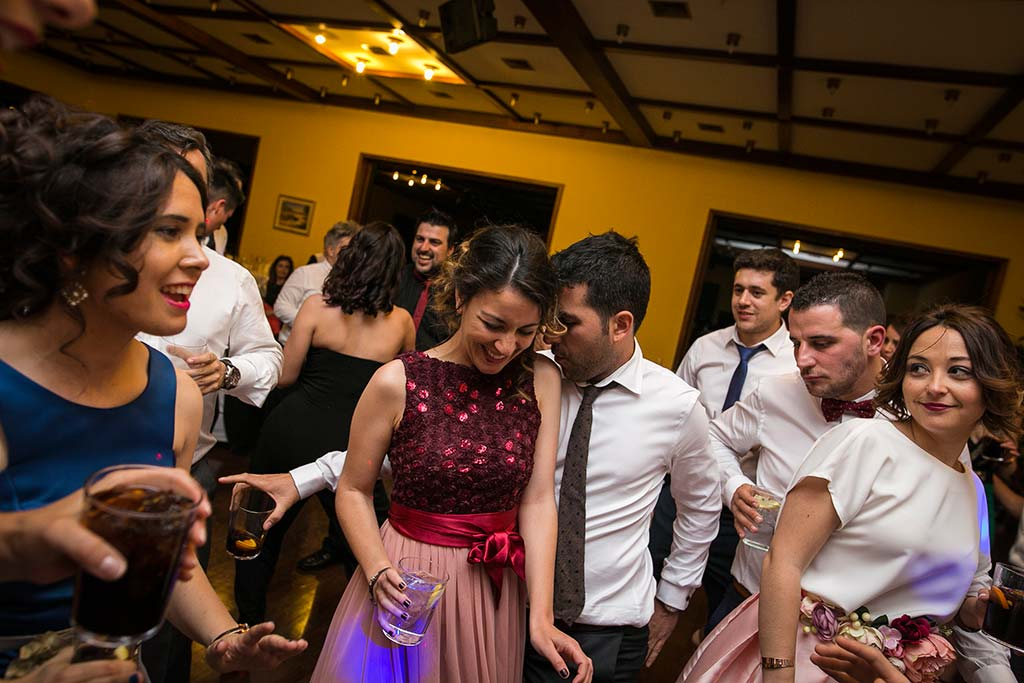 fotografo bodas Laredo Cantabria amigos