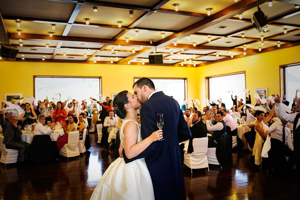fotografo bodas Laredo Cantabria brindis