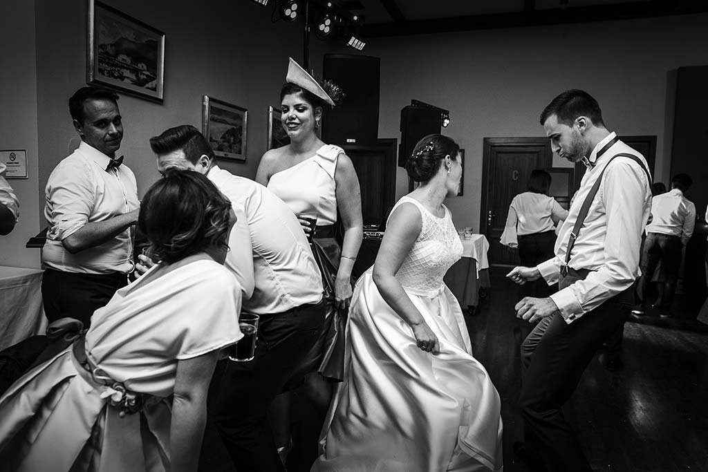 fotografo bodas Laredo Cantabria fiesta novios