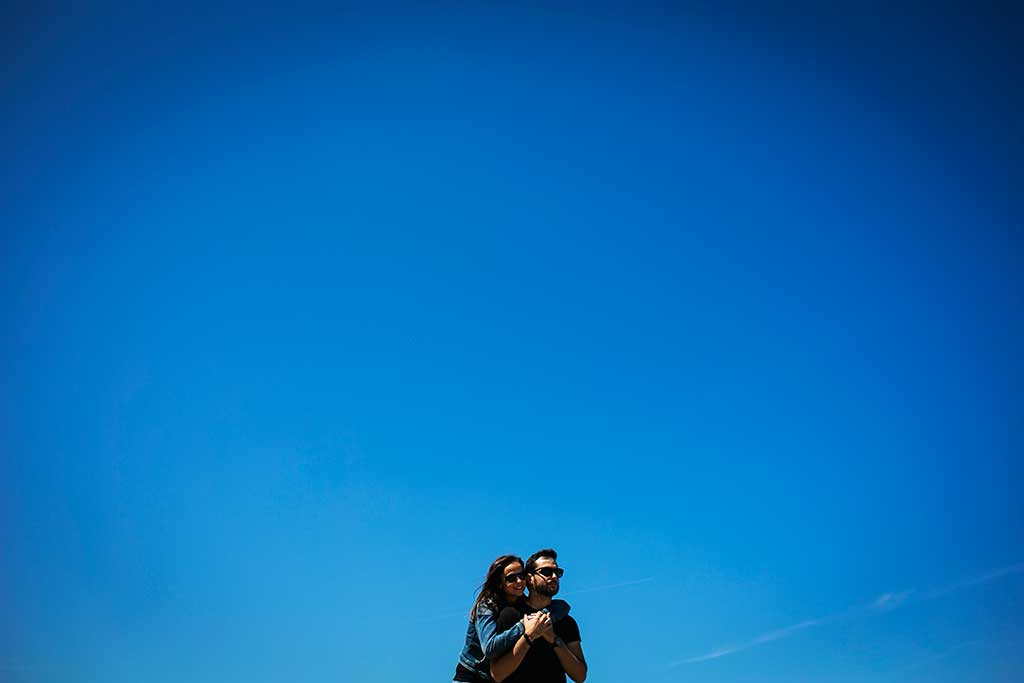 fotografo de bodas preboda liencres isa asier gafas