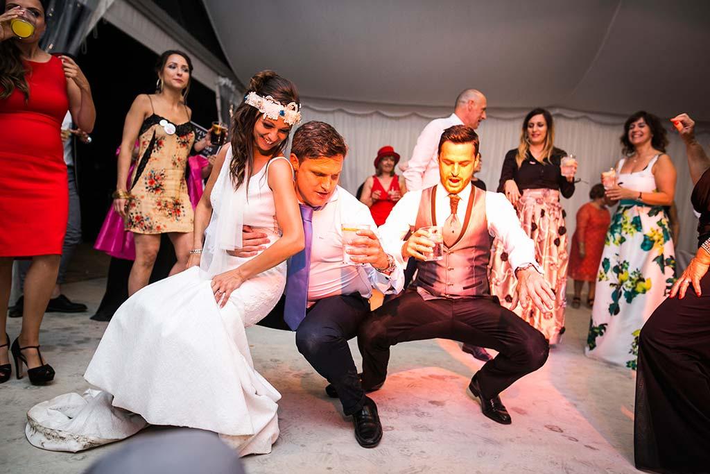 fotografo de bodas Cantabria Isa y Asier fiesta novios