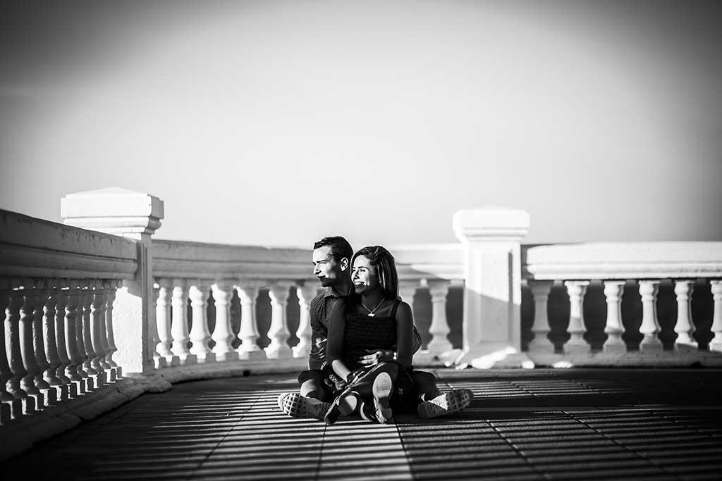 fotos preboda Santander Andrea y Samu novios suelo