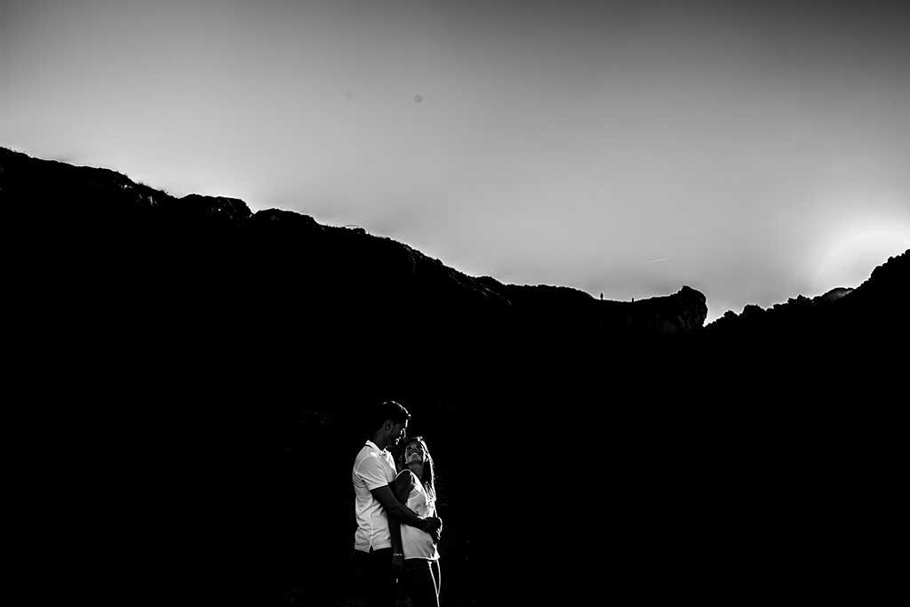 fotógrafo de bodas Cantabria preboda Mario y Carla blanco y negro