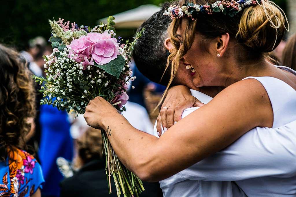 fotógrafo de bodas Cantabria abrazos reales