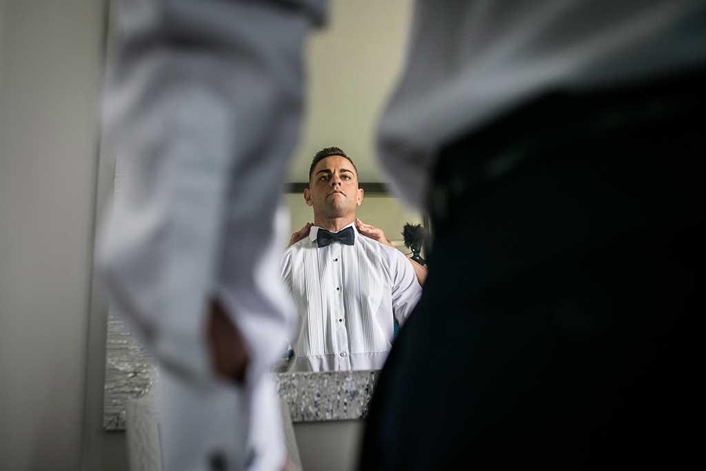 fotógrafo de bodas Santander Sandra y Fran novio espejo