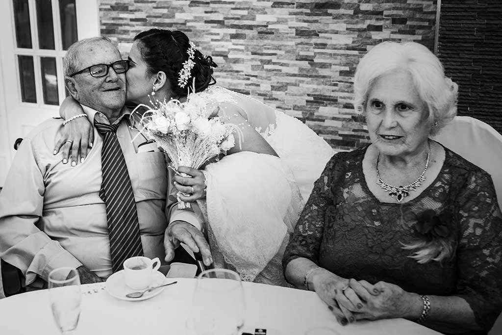 fotógrafo de bodas Cantabria Sara y Luis abuelos