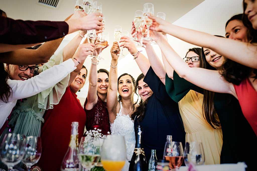 fotógrafo de bodas Cantabria Sara y Luis brindis