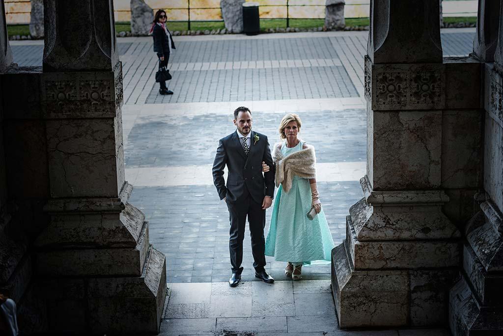 fotografo de bodas en Cantabria Maria y Borja entrada novio