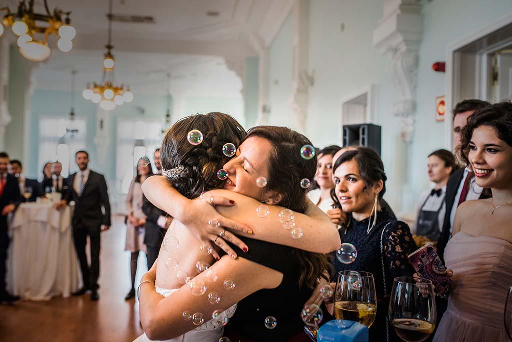 fotografo de bodas en Cantabria Maria y Borja pompas