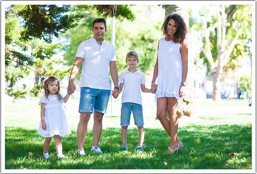 fotografo-niños-santander-familia-feliz