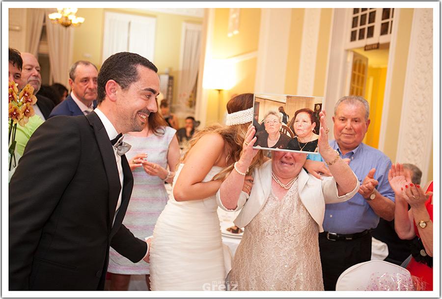 fotografos-bodas-santander-cantabria-abuela-emocion