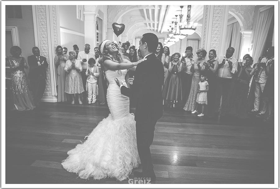 fotografos-bodas-santander-cantabria-baile-novios