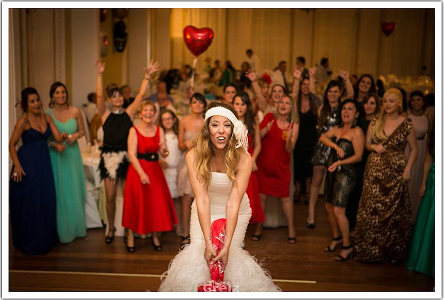 fotografos-bodas-santander-cantabria-lanzamiento-ramo