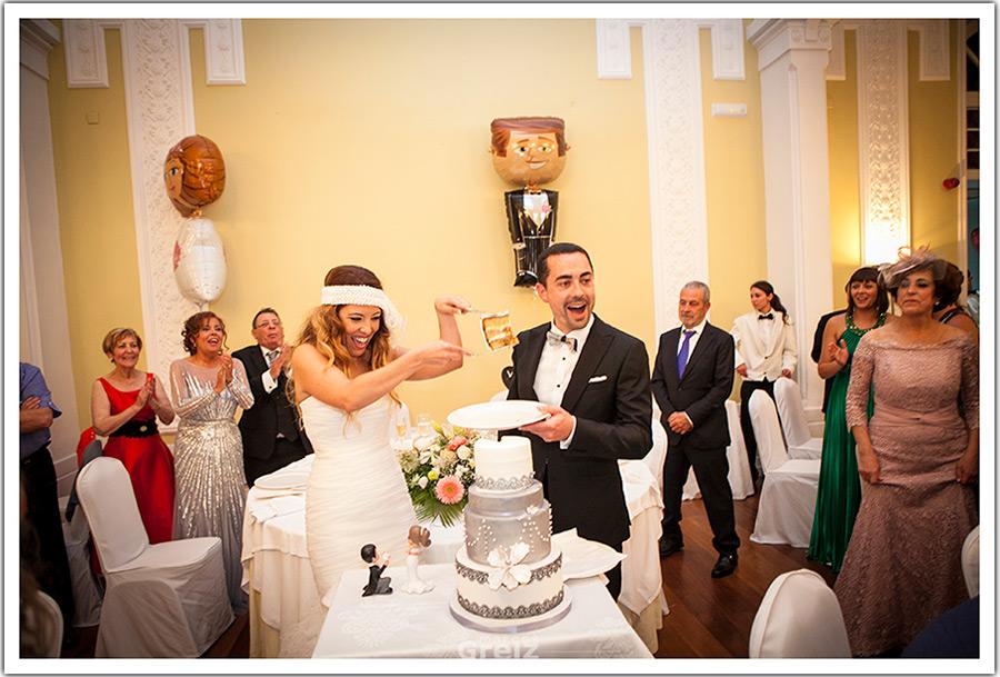 fotografos-bodas-santander-cantabria-tarta-novia