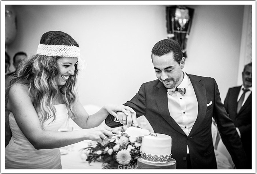 fotografos-bodas-santander-cantabria-tarta-novio