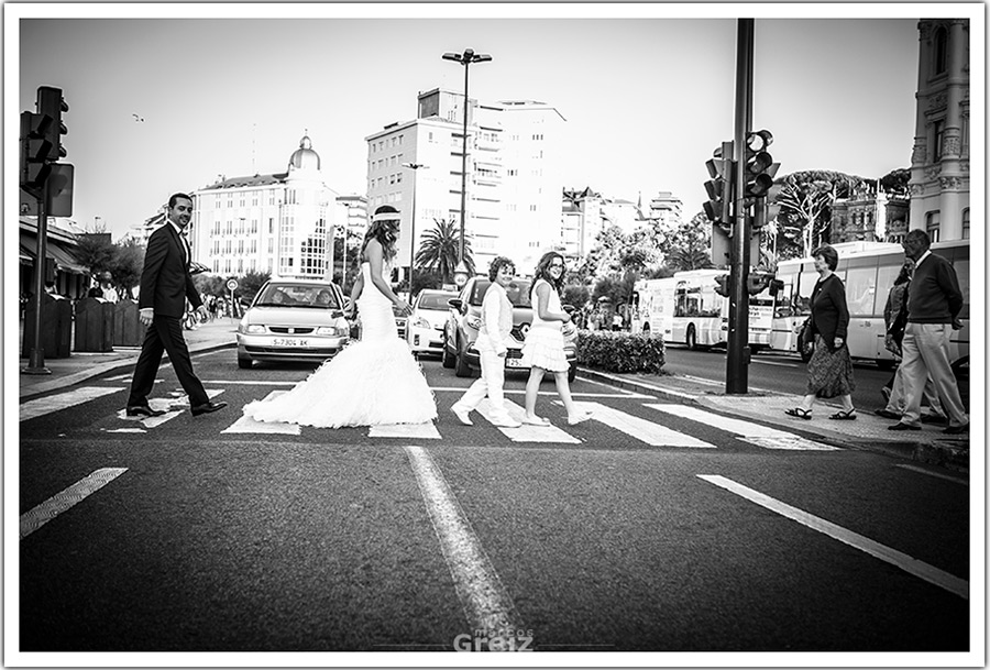 fotografos-bodas-santander-gran-casino-sardinero-paso-cebra