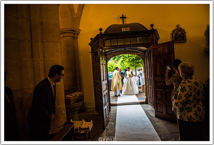 fotografo-bodas-santander-cantabira-entrada-novia