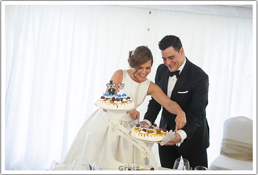 fotografo-bodas-santander-cantabria-marian-alberto-corte-tarta