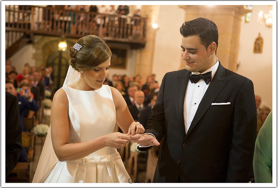 fotografos-bodas-santander-cantabria-marian-alberto-anillo-novios