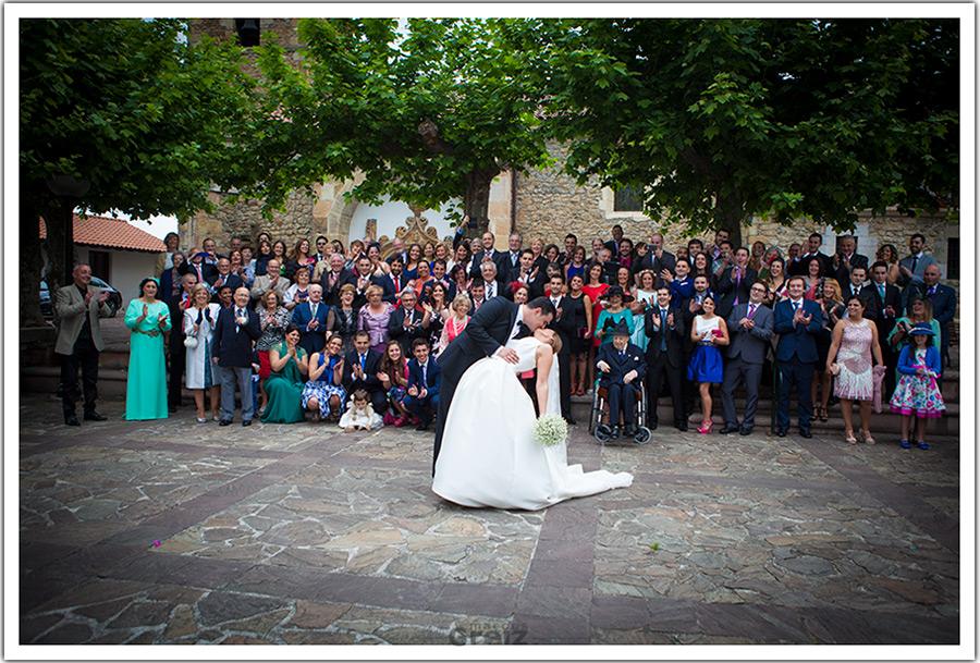 fotografos-bodas-santander-cantabria-marian-alberto-beso-pelicula