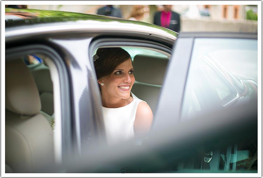 fotografos-bodas-santander-cantabria-marian-alberto-ella-coche