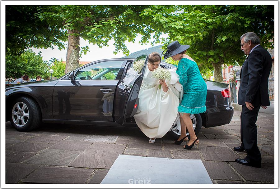 fotografos-bodas-santander-cantabria-marian-bajada-coche