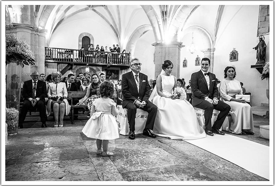 fotografos-bodas-santander-cantabria-nena-mira-novios