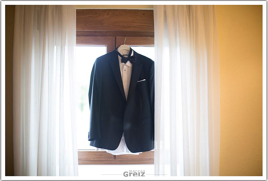 fotografos-bodas-santander-cantabria-novio-traje