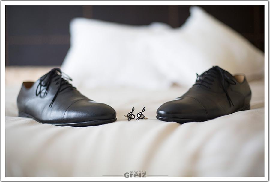 fotografos-bodas-santander-cantabria--novio-zapatos