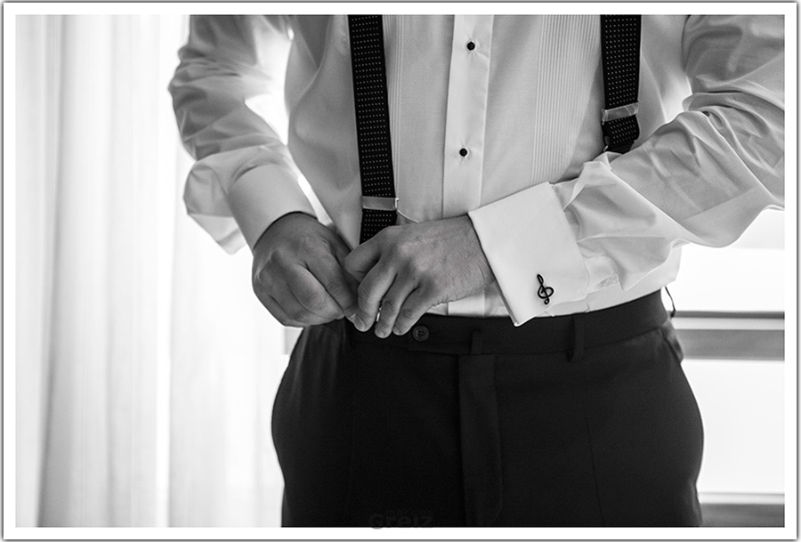 fotografos-bodas-santander-cantabria-tirantes-novio