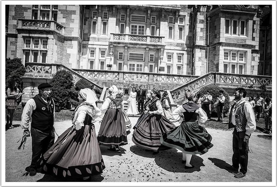 fotografos-bodas-santander-raquel-david-bailes-salida
