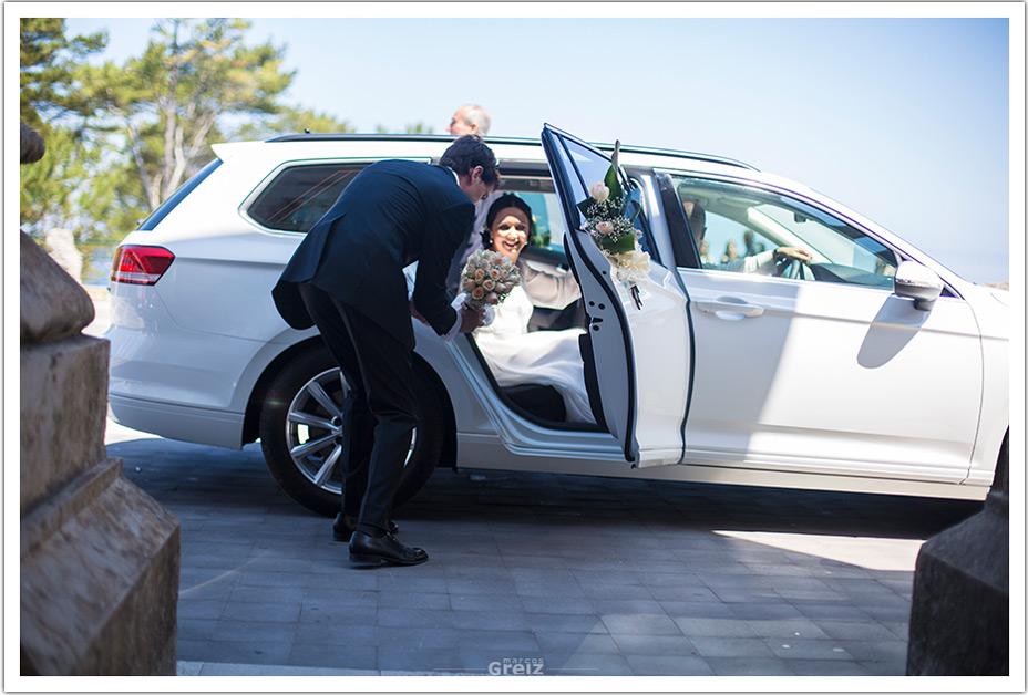fotografos-bodas-santander-raquel-david--bajada-coche