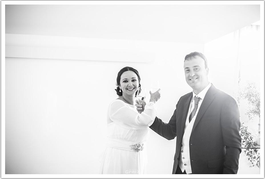 fotografos-bodas-santander-raquel-david-brindis