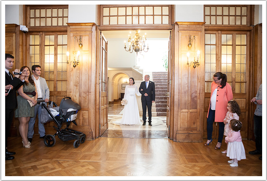 fotografos-bodas-santander-raquel-david-entrada-novia