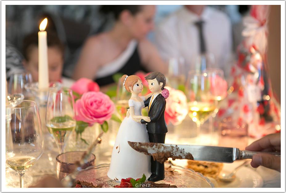 fotografos-bodas-santander-raquel-david-novios-tarta