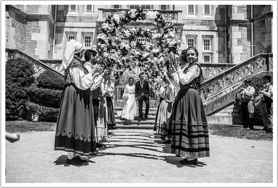 fotografos-bodas-santander-raquel-david-salida-ceremonia