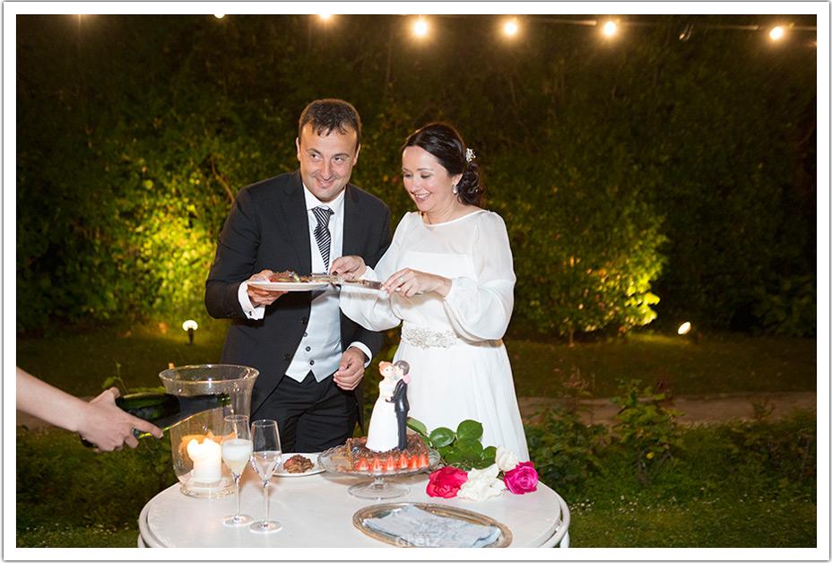 fotografos-bodas-santander-raquel-david-tarta-ellos