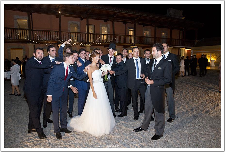fotografo-bodas-santander-cantabria-fraguas-amigos-novio