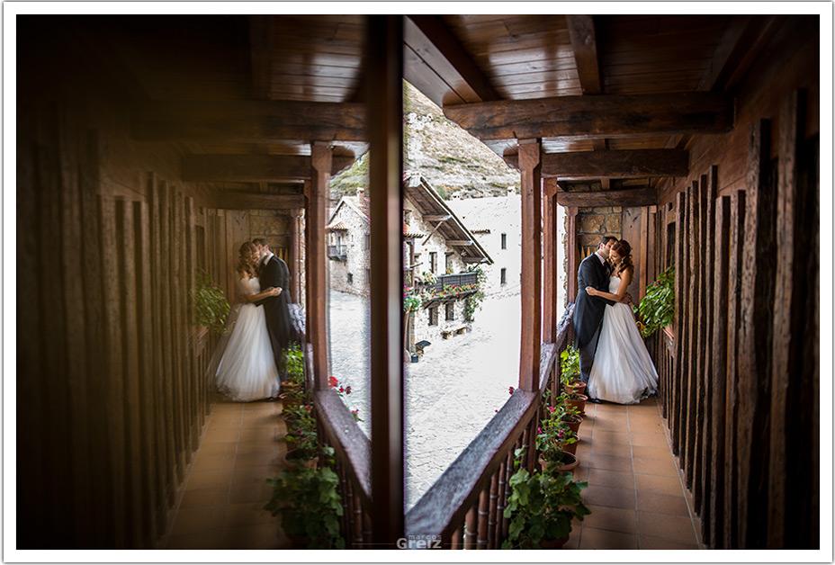 fotografo-bodas-santander-cantabria-fraguas-camino-real-abrazo
