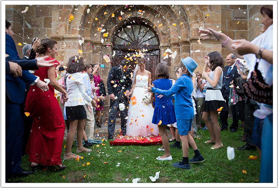 fotografo-bodas-santander-cantabria-fraguas-salida-iglesia