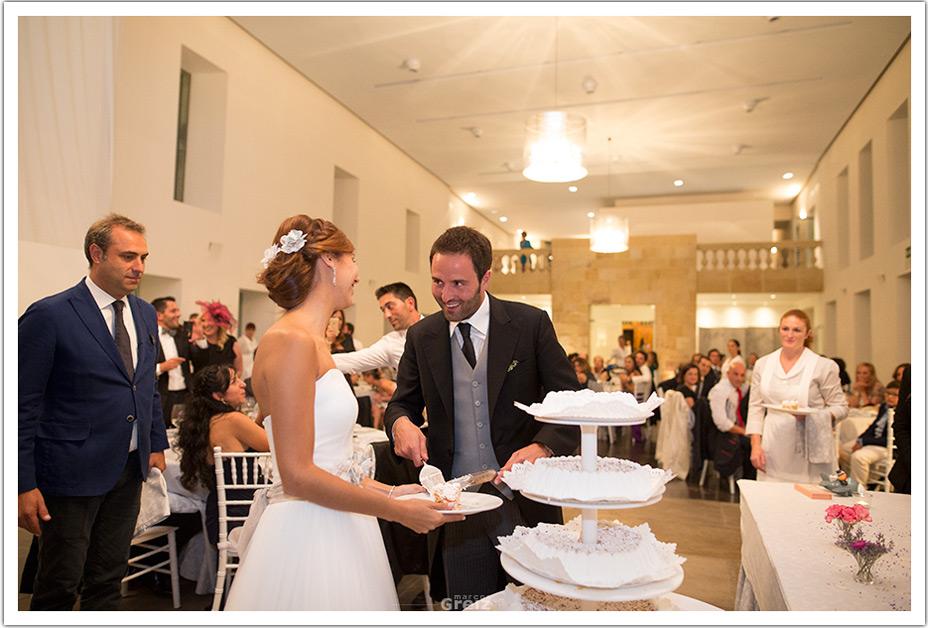 fotografo-bodas-santander-cantabria-fraguas-tarta-novio