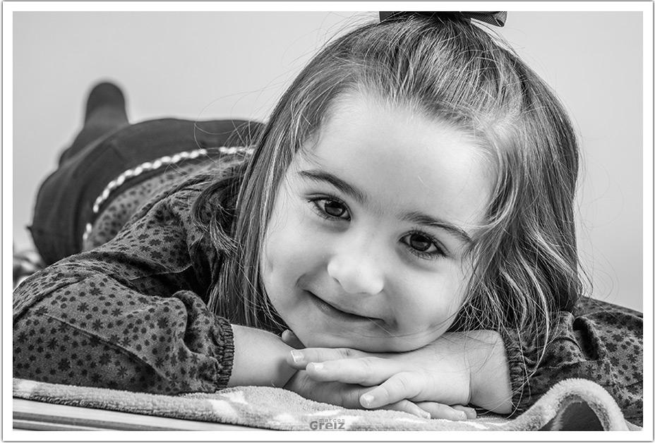 fotografos-niños-santander-cantabria-elia-tumbada