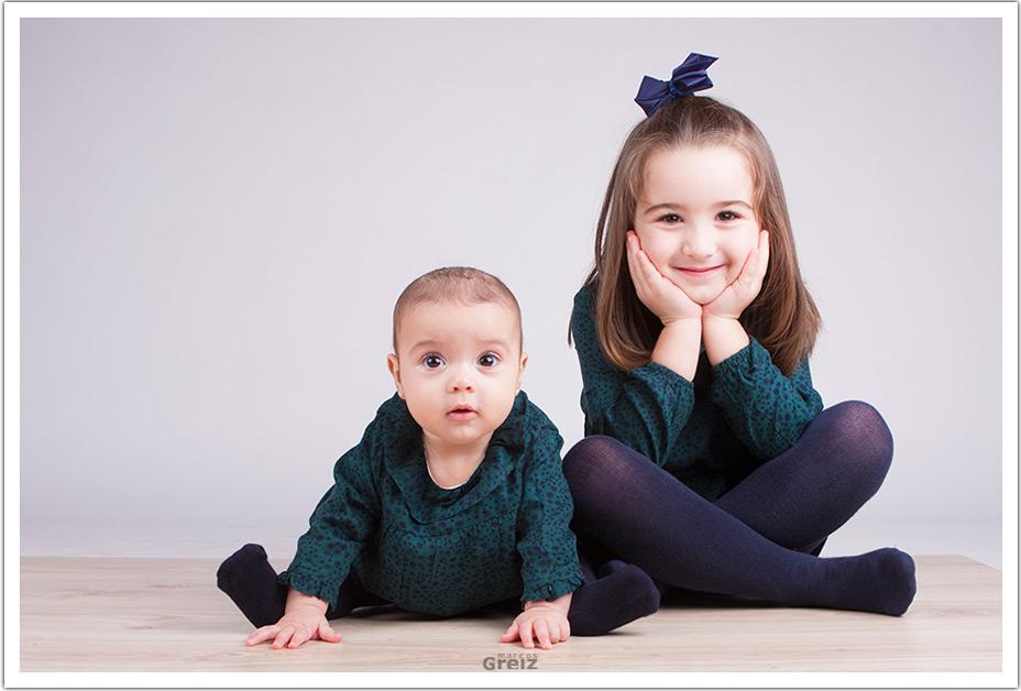 fotografos-niños-santander-cantabria-elia-vera-sentadas