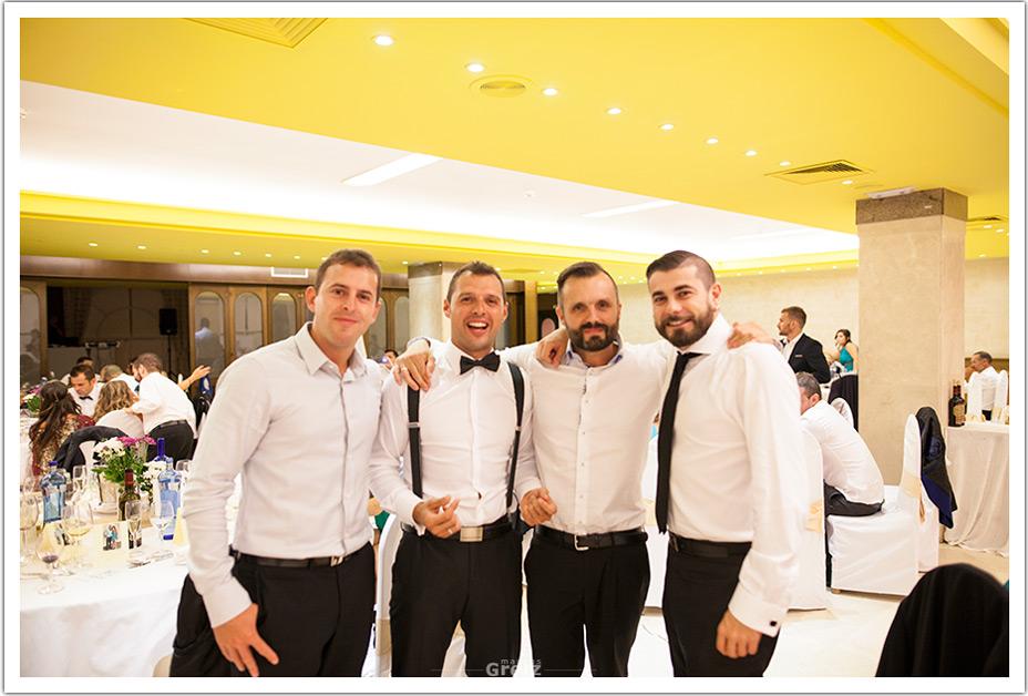 fotografos-bodas-cantabria-amigos-byr