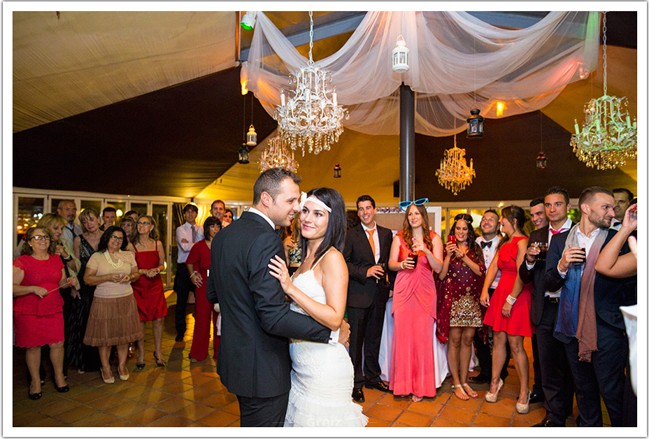 fotografos-bodas-cantabria-baile-novios-byr