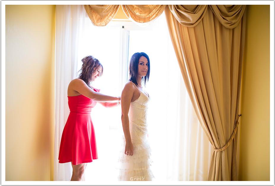 fotografos-bodas-cantabria-byr-cerrar-vestido