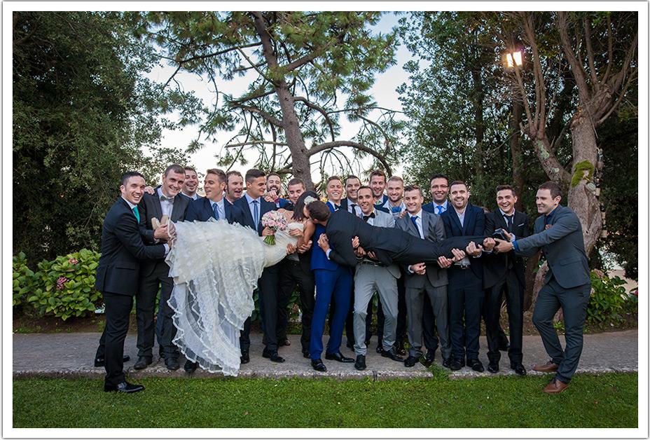 fotografos-bodas-cantabria-byr-invitados-beso