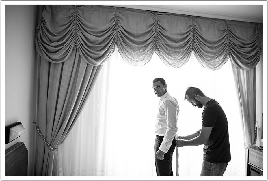 fotografos-bodas-cantabria-byr-vestir-novio