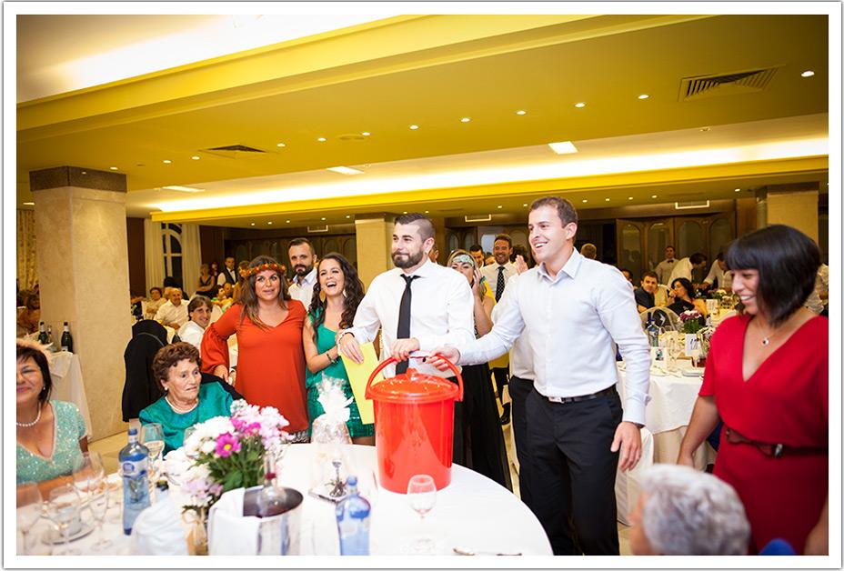 fotografos-bodas-cantabria-regalo-amigos-byr
